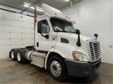 2014 Freightline Cascadia 113
